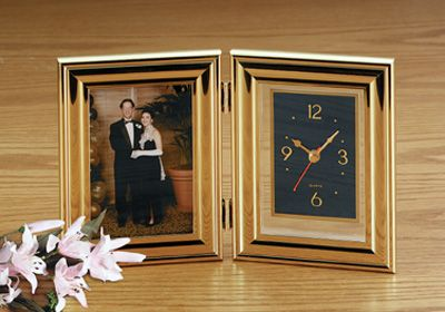 # RCHHCLP2S Brookwood Folding Clock and Picture Frame