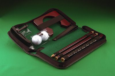 # RCSPUTS Portable Putting Set